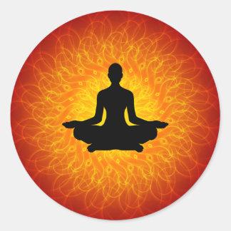 Yoga - Meditation auf Mandala Runder Aufkleber