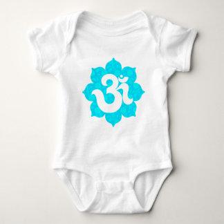 Yoga OM in Lotus hellblau Baby Strampler