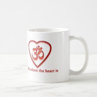 """Yoga-OM-Tasse """"OM ist, wo das Herz"""" Spaß ist Tasse"""
