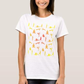 Yoga-Positionen in den Steigungs-Farben T-Shirt