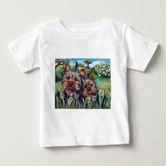 Yorkie beste Knospen Lucy und Milly Baby T-shirt