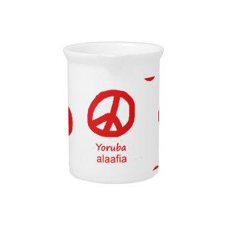 Yoruba-Sprache und Friedenssymbol-Entwurf Krug