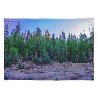Yosemite-Tal-Wald u. Himmel Stofftischset