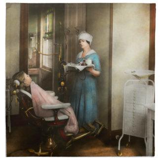 Zahnarzt - des Patienten ist ein Vorzug 1920 Serviette