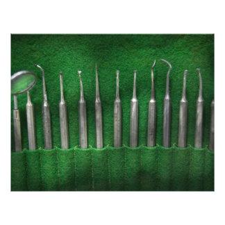 Zahnarzt - die Ausrüstung Vollfarbige Flyer