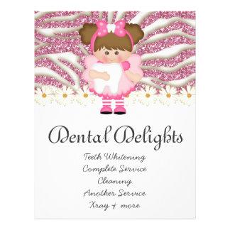 Zahnmedizinischer Zahnarzt-Zahn-Feeniedlicher Bedruckte Flyer