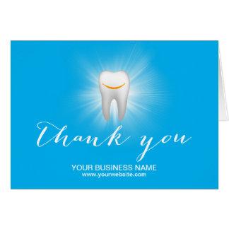 Zahnpflege-danken lächelndes Zahn-einfaches Mitteilungskarte