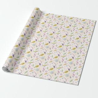 Zartes rosa Verpackungspapier des Blätter und der Geschenkpapier