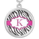 Zebra-Monogramm-Rosa-Band-Halskette