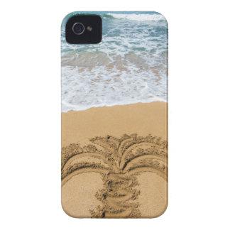 Zeichnen der Palme auf sandigem Strand iPhone 4 Hüllen