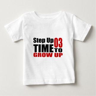 Zeit 03, Geburtstags-Entwürfe aufzuwachsen Baby T-shirt