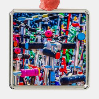Zeit, einen Roller zu kaufen Silbernes Ornament