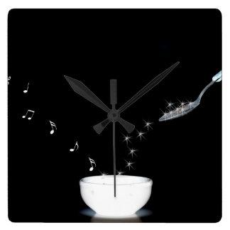 Zeit für Musik Quadratische Wanduhr