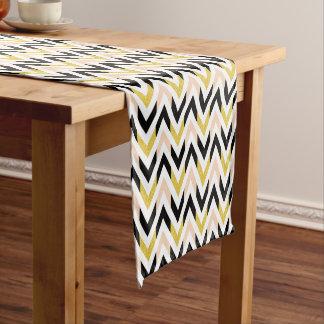 Zeitgenössisches geometrisches Zickzack Muster Kurzer Tischläufer
