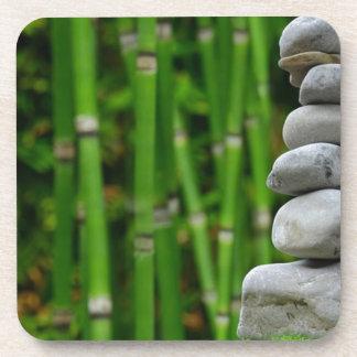 Zen-Garten-Meditations-Mönch entsteint Getränkeuntersetzer