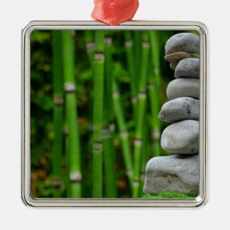 Zen-Garten-Meditations-Mönch entsteint Silbernes Ornament