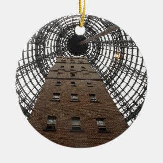 Zentraler historischer Schuss-Turm Melbournes Rundes Keramik Ornament