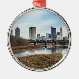 Zentrales Geschäftsgebiet Columbus, Ohio Rundes Silberfarbenes Ornament