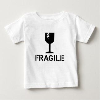 Zerbrechlich durch Chillee Wilson Baby T-shirt