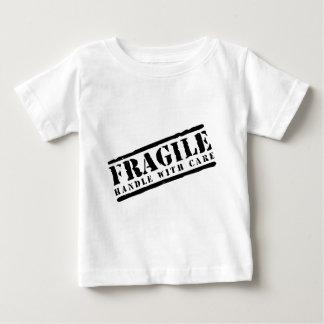 Zerbrechlicher Griff entwerfen sorgfältig Baby T-shirt