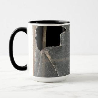 Zerbrochene Fensterscheibe Tasse