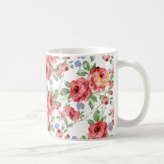 Zerstreute Rosen durch BobCatDesign Tasse