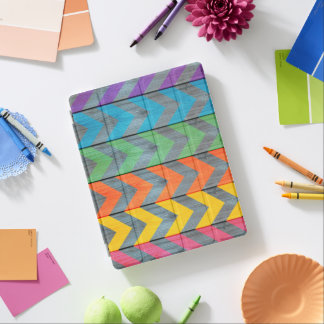 Zickzack Muster auf hölzerner Beschaffenheit iPad Smart Cover