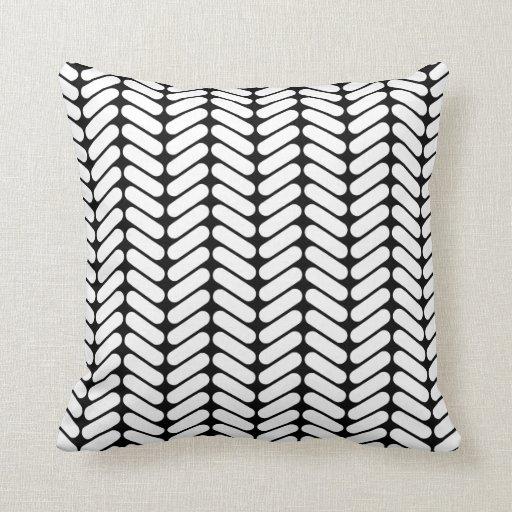 zickzack schwarzweiss muster wie das stricken zierkissen zazzle. Black Bedroom Furniture Sets. Home Design Ideas