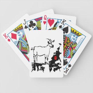 Ziege schaukelt Spielkarten des