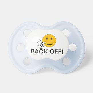 Ziehen Sie sich Baby-Schnuller zurück