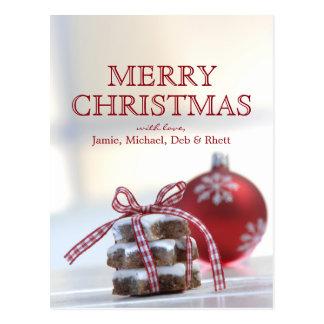 Zimtplätzchen mit Weihnachtsdekoration Postkarte