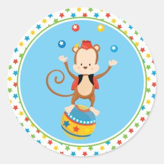 Zirkus-Affe des Zirkus-Thema-  jonglierendes   Runder Aufkleber