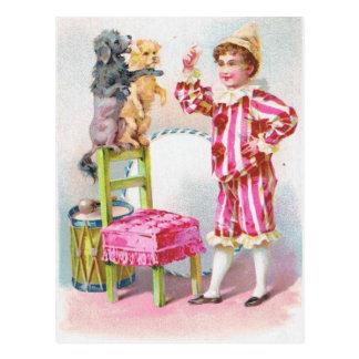 Zirkusclown-Jungen-Trainings-Schoßhunde Postkarte