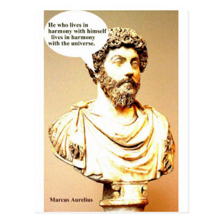 Zitat MARCUS AURELIUS - er, der in Harmonie wi Postkarte