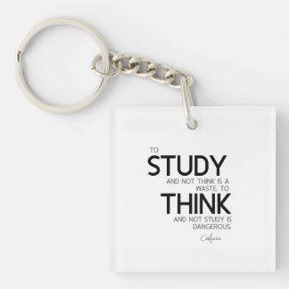 ZITATE: Konfuzius: Zu studieren, denken Schlüsselanhänger