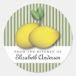 Zitronen auf grünem Backen-Chic vom Runder Aufkleber