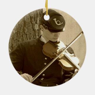 Ziviler Kriegs-Geigen-Spieler Keramik Ornament