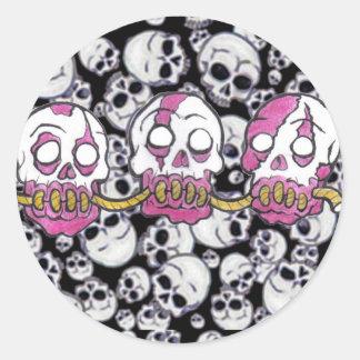 Zombie-Köpfe zusammen gezeichnet Runde Aufkleber