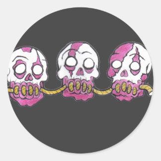 Zombie-Köpfe zusammen gezeichnet Runder Aufkleber