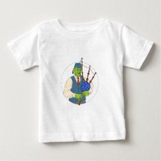 Zombie-Pfeifer, der Dudelsack-Schmutz-Kunst spielt Baby T-shirt