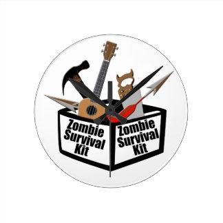 Zombie-Überlebensausrüstung Wanduhr