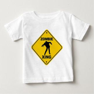 Zombie Xing, der Halloween kreuzt Baby T-shirt