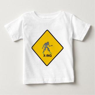 Zombieüberfahrt Baby T-shirt