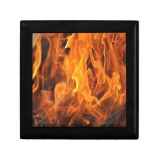 Zu behandeln Flammen - zu heiß Schmuckschachtel