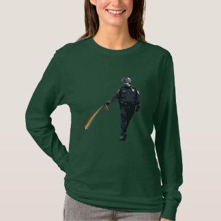 zufällig PfeffersprühPolizist T-Shirt