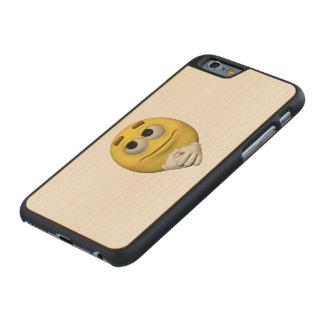 Zufriedenheit Emoticon Carved® iPhone 6 Hülle Ahorn