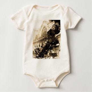 Zug-Wrack bei Montparnasse 1895 Vintag Baby Strampler