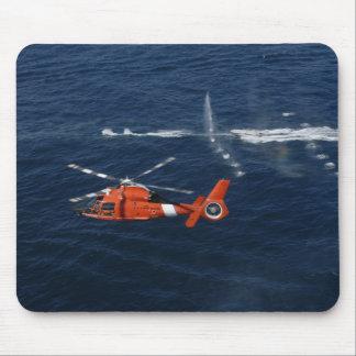 Züge einer Hubschrauber-Crew Mauspads