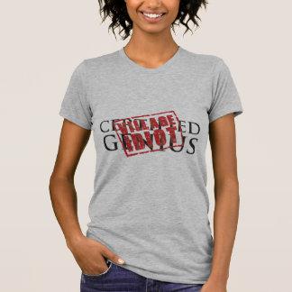 Zugelassenes Genie: Dorfidiot-Gummi-Briefmarke T-Shirt