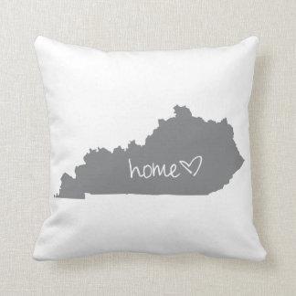 Zuhause <3 Kentucky Kissen